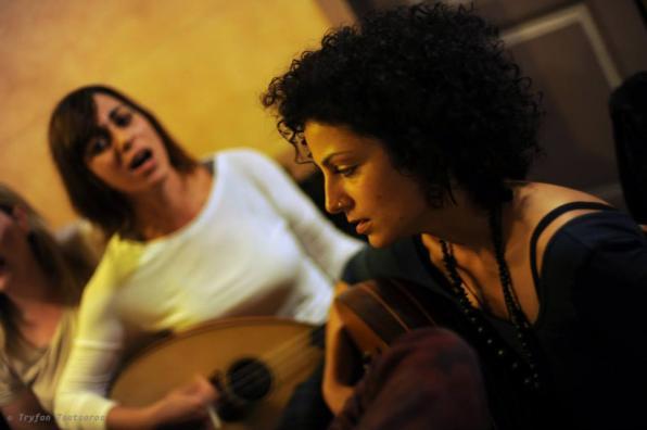FEB 01 Παραδοσιακά και μικρασιάτικα τραγούδια ζωντανά στο καφενείο!