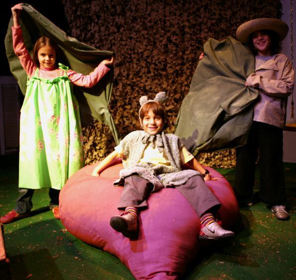 Κυριακή 4/2, Παιδικό Θέατρο Κούκλας: « Τo Παντζαράκι»