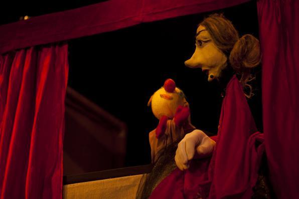 Κυριακή 29/4, Θέατρο Κούκλας: «Οι περιπέτειες ενός σκουφιού»