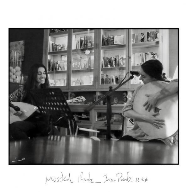 Κυριακή 24/02, Muzikal Ifade στο Καφενείο