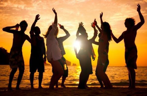 BEACH PARTY: Σάββατο 11/7